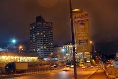 Scènes modernes Tepebasi Istanbul de nuit de bâtiments Image stock