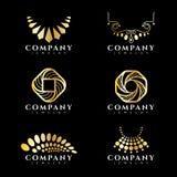 Scénographie de vecteur de logo de bijoux et de collier d'or illustration stock