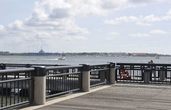SC de Charleston, el 7 de agosto: Pontón de la costa de Charleston en Carolina del Sur Imagenes de archivo