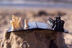 Scacchi sulla spiaggia Immagini Stock