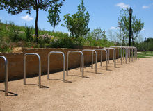 Scaffale di parcheggio della bici Fotografie Stock