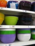 Scaffali dei piatti Fotografia Stock