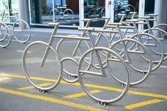 Scaffali della bici Fotografia Stock Libera da Diritti