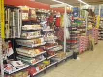 Scaffali della roba di Natale Immagini Stock Libere da Diritti