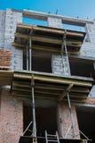Scaffold för byggnad Arkivbild