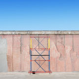 Scaffold next to the wall Royalty Free Stock Image