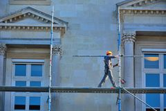 Scaffold worker at his job Royalty Free Stock Photography