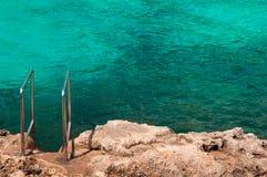 Scala all'oceano fotografia stock libera da diritti