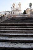 Scala alla chiesa di Monti di dei di Trinita Fotografie Stock