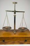 Scala antica dell'equilibrio Immagine Stock Libera da Diritti