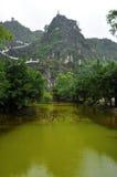 Scala ascendente alla pagoda di Hang Mua, Ninh Binh, Vietnam Immagini Stock Libere da Diritti