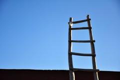 Scala con cielo blu fotografia stock