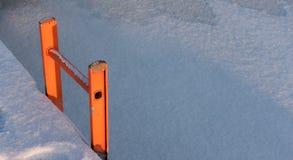 Scala da una banchina nell'inverno Immagine Stock Libera da Diritti