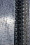 Scala del fuoco su un grattacielo Immagini Stock
