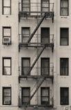 Scala dell'appartamento di New York City in bianco e nero Fotografia Stock Libera da Diritti