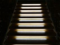 Scala di legno illuminata Fotografie Stock
