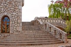 Scala di pietra di punto nel castello Fotografie Stock Libere da Diritti