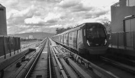 Scala mobile alla stazione di MRT - transito rapido di massa in Malesia immagine stock libera da diritti