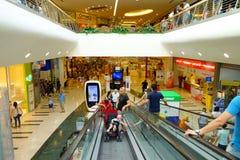 Scala mobile della cinghia del centro commerciale Fotografia Stock