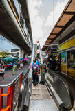 Scala mobile fuori del monumento BTS, Bangkok di vittoria Immagine Stock Libera da Diritti