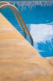 Scala della piscina Immagini Stock Libere da Diritti