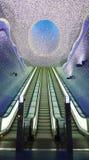 Scala sotterranea, stazione di Toledo, Napoli. Immagini Stock Libere da Diritti