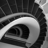 Scala a spirale in bianco e nero Immagine Stock Libera da Diritti