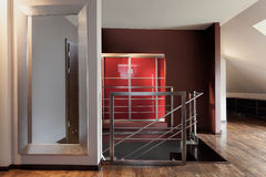 Scala in una casa moderna Fotografie Stock