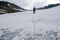 Scalata di montagna sul ghiacciaio Immagine Stock