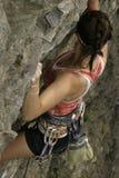Scalata di roccia della donna Fotografia Stock Libera da Diritti