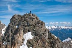 Scalatore nella montagna Fotografia Stock