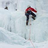 Scalatore su ghiaccio nel Tirolo del sud, Italia Immagine Stock Libera da Diritti