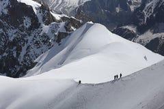 Scalatori di Mont Blanc Immagine Stock