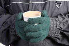 Scaldi la bevanda in inverno Fotografie Stock Libere da Diritti