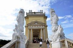 Scale ad un monumento storico vicino al palazzo imperiale a Vienna Fotografia Stock Libera da Diritti
