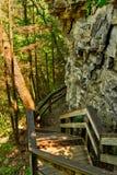 Scale della traccia di Cliffside Fotografia Stock Libera da Diritti