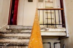 Scale di vecchia casa fotografia stock libera da diritti