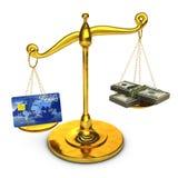 Scale e soldi dell'oro Fotografie Stock Libere da Diritti