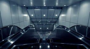 Scale mobili della stazione di metro immagine stock libera da diritti