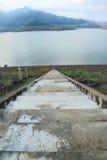 Scale nella diga Fotografie Stock