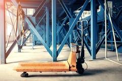 Scale per la pesatura dei rifiuti Impianto di lavorazione residuo Processo tecnologico Riciclando e deposito dei rifiuti per ulte Fotografie Stock