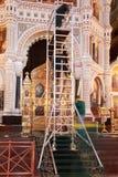 Scale per ripristino dell'arco all'interno della cattedrale Immagini Stock Libere da Diritti