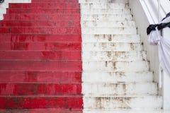Scale rosse lunghe Fotografie Stock Libere da Diritti