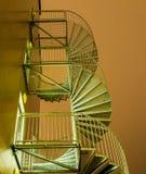 Scale a spirale contro il cielo notturno Fotografie Stock