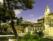 Scalea är en liten stad Italien, gammal stad Arkivbilder