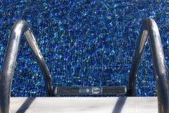 Scaletta del raggruppamento sotto il sole Fotografia Stock