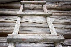 Scaletta di legno rustica fotografia stock