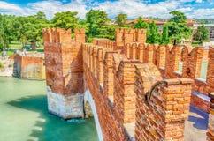 Scaliger桥梁(Castelvecchio桥梁)在维罗纳,意大利 免版税库存照片