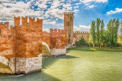 Scaligerbrug (Castelvecchio-Brug) in Verona, Italië Royalty-vrije Stock Foto's