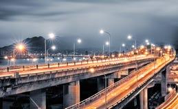 Scambio con l'indicatore luminoso delle automobili fotografia stock